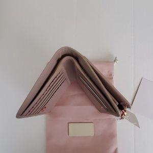 RADLEY London Bags - RADLEY London Heritage Outline Compact Wallet